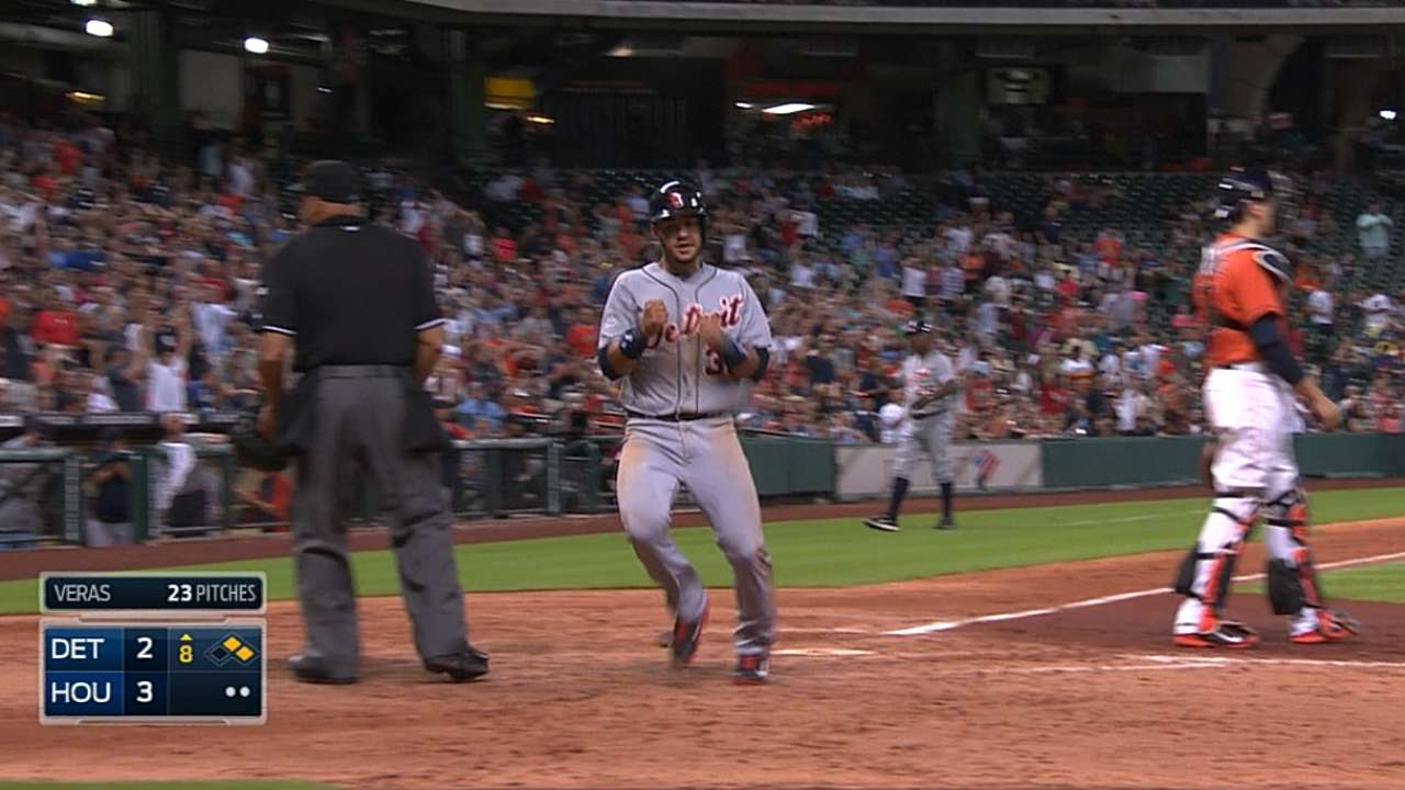 Tigers topped in extras after tying game late