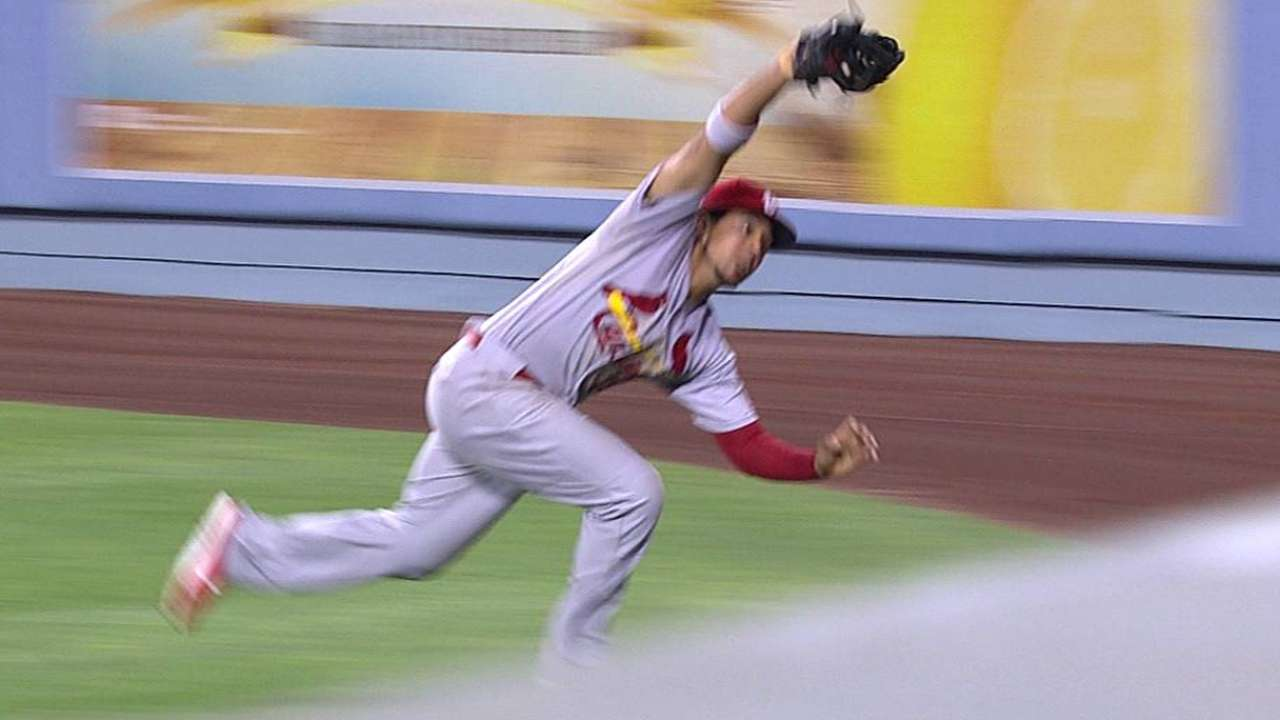 Cards stifle Dodgers with dynamic defense
