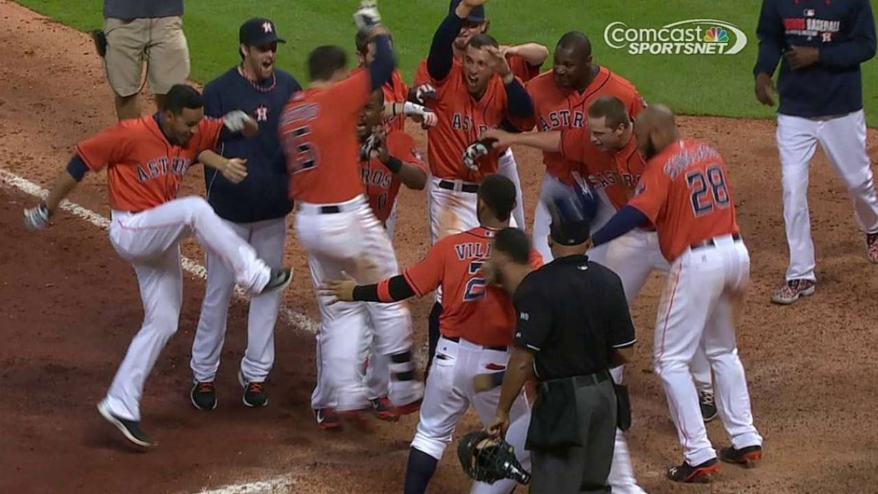 Castro wins it in 11th after Altuve's big night