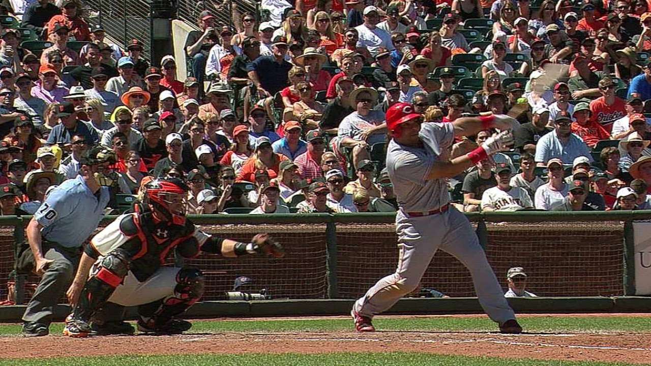 Votto giving '100 percent' despite leg injury