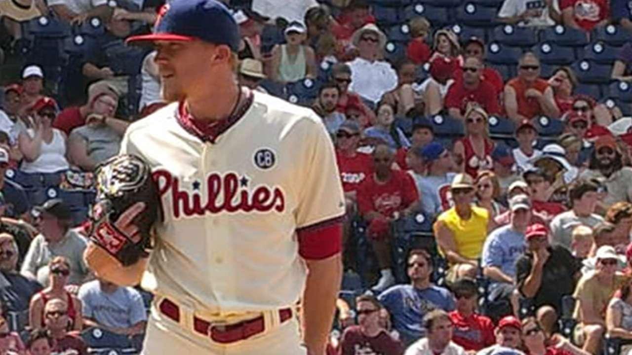 Giles, Diekman give Phillies late-game bullpen depth