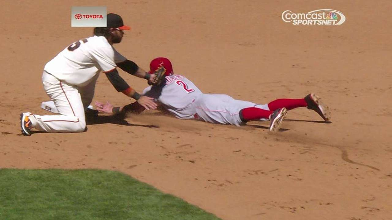 Overturned play gets Giants out of rocky ninth