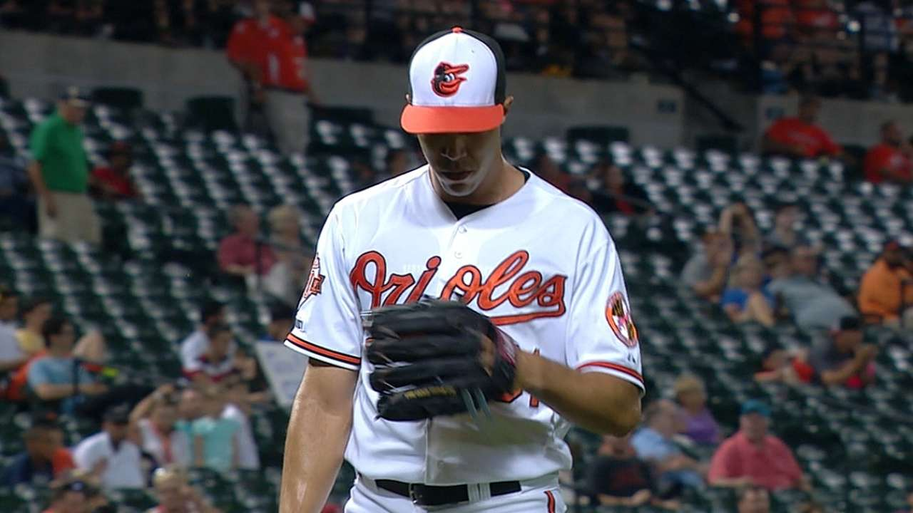 Ubaldo rides four homers to first home victory