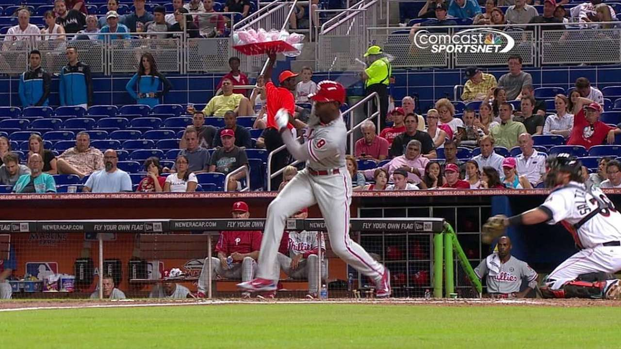 Brown rejoins Phillies for opener in Pittsburgh