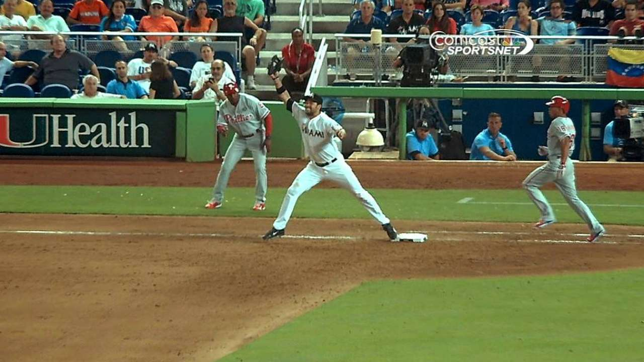 Phillies lose replay challenge in ninth inning