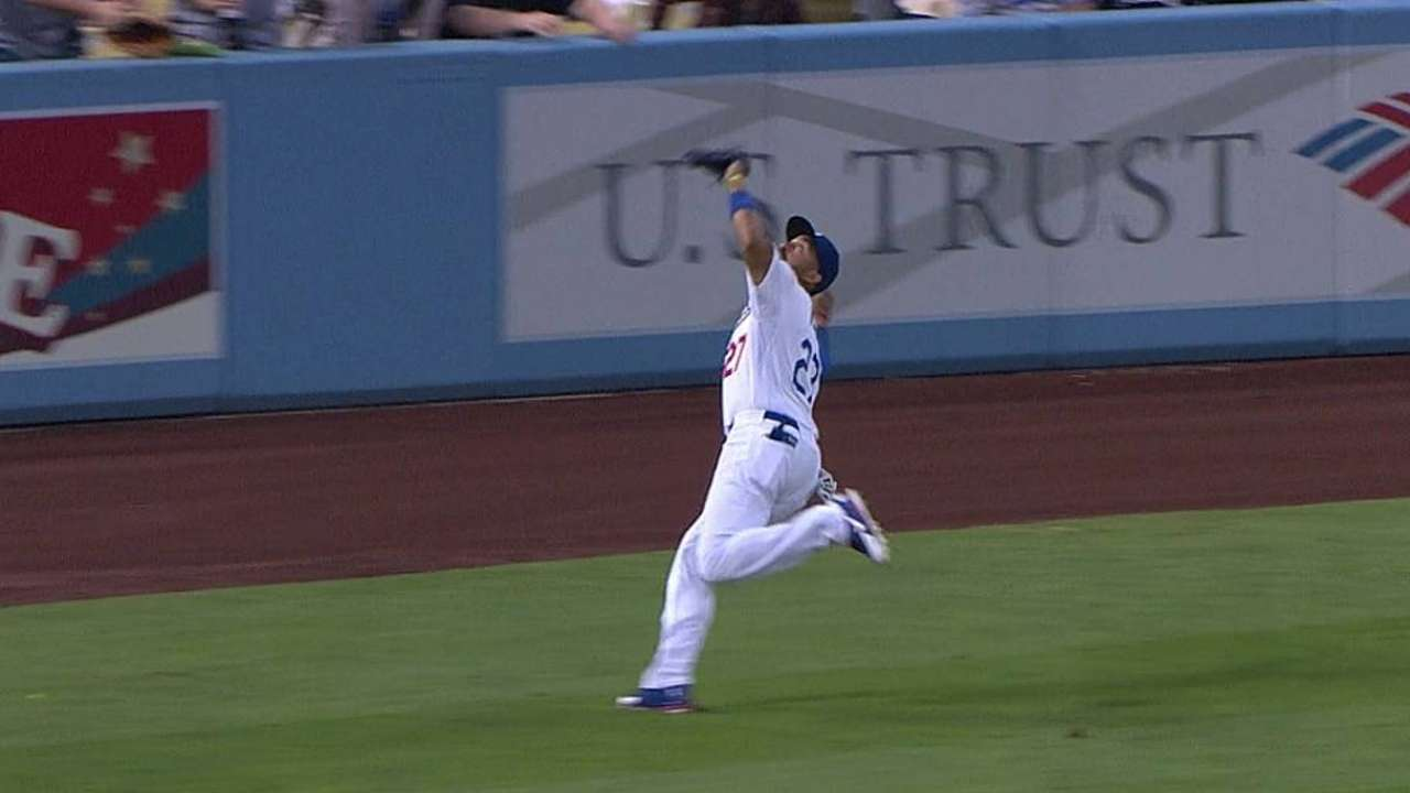 Kemp given night off; Van Slyke in left field