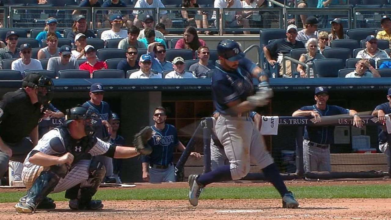 Rays sweep rival Yankees to win fifth straight
