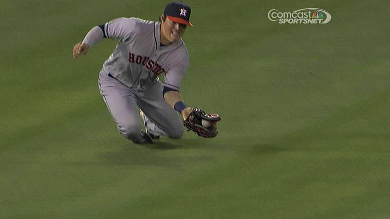 Hernandez a surprise spark for Astros