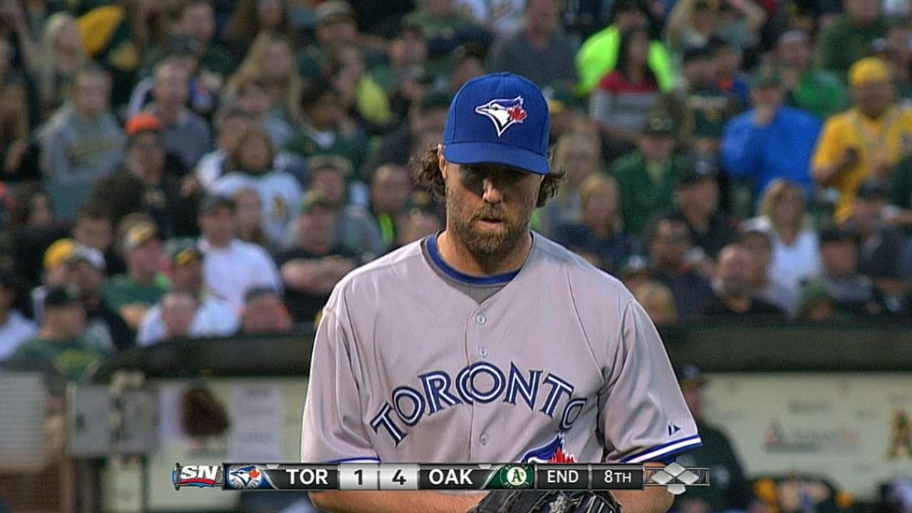 Dickey's gem spoiled, Blue Jays no longer alone in 1st