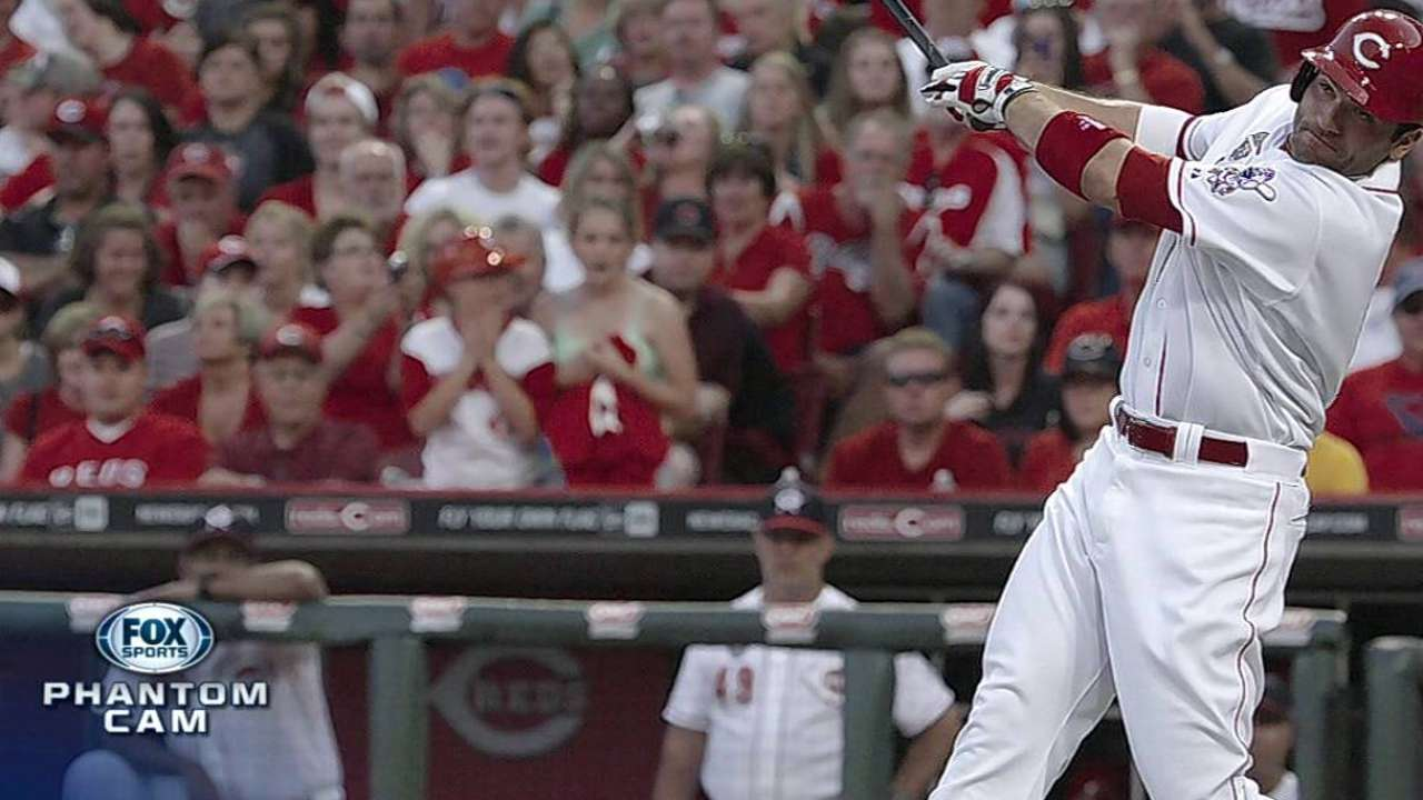 Ailing Votto returns to DL with left quad injury