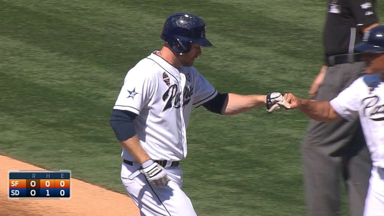 Headley finds stroke, notches four hits vs. Giants