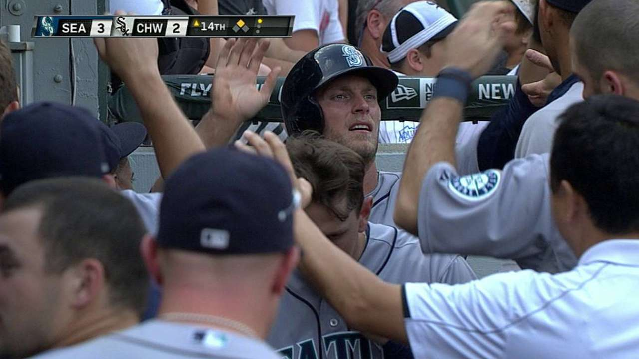 Mariners rally to tie in ninth, win in 14th
