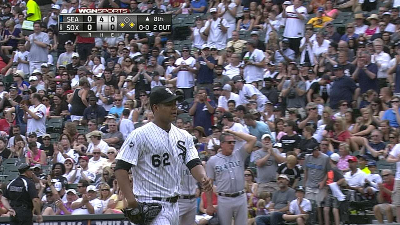 Quintana strong early but White Sox fall in 14th