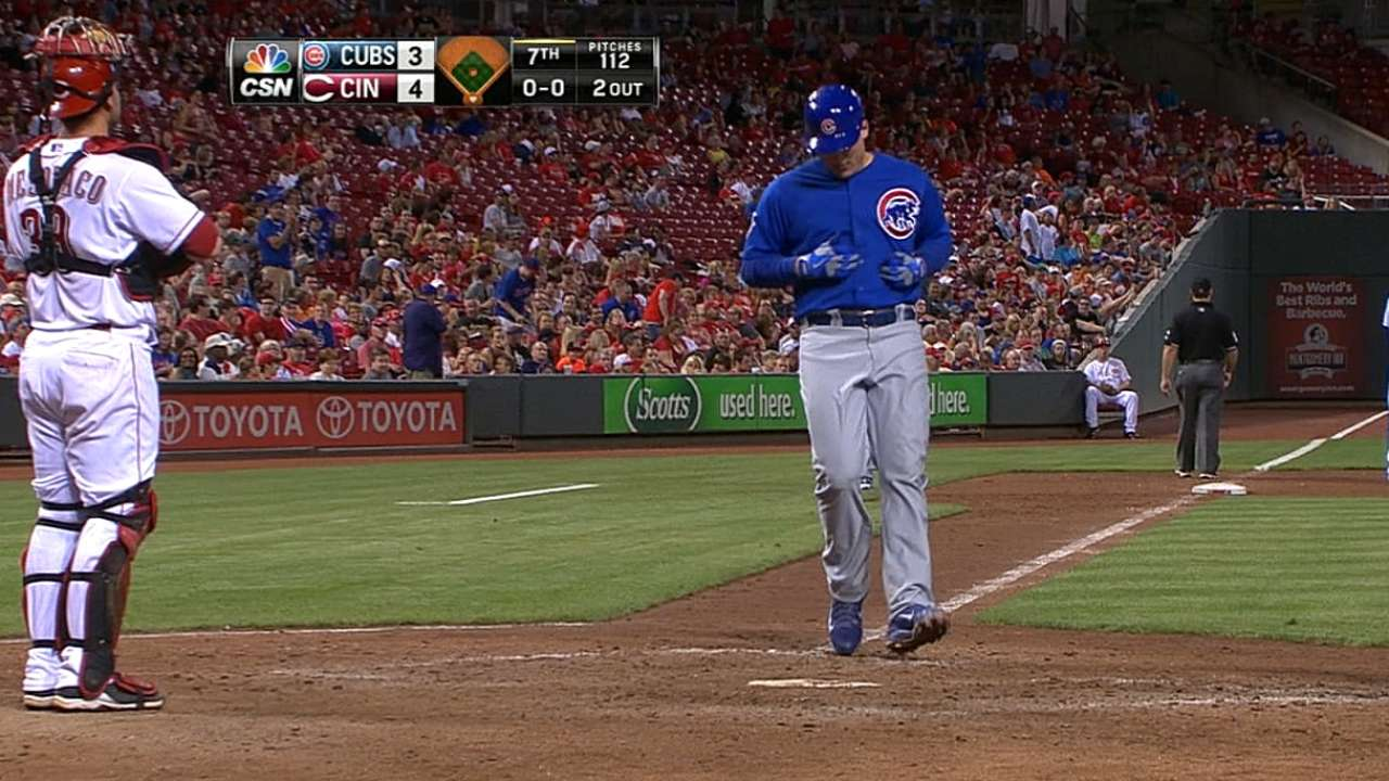 Rizzo belts 18th homer as Cubs drop opener