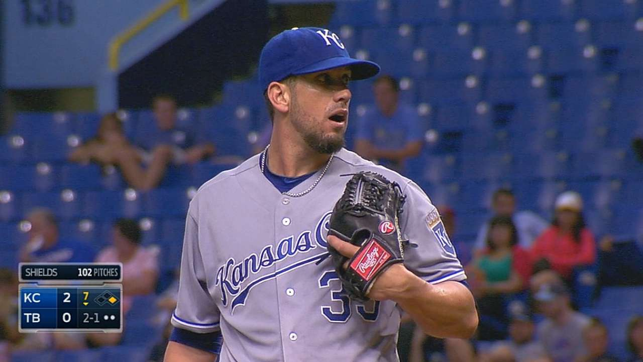 Shields racks up 10 K's for first visiting win at Trop