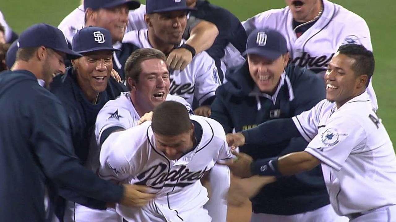 Padres show Will to win with walk-off in 12th