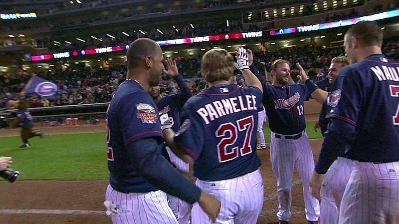 Parmelee launches walk-off homer to lift Twins