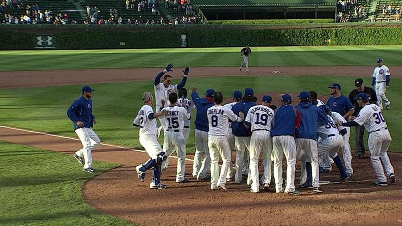 Cubs vencen a Marlins en la 13ra con el HR de Rizzo