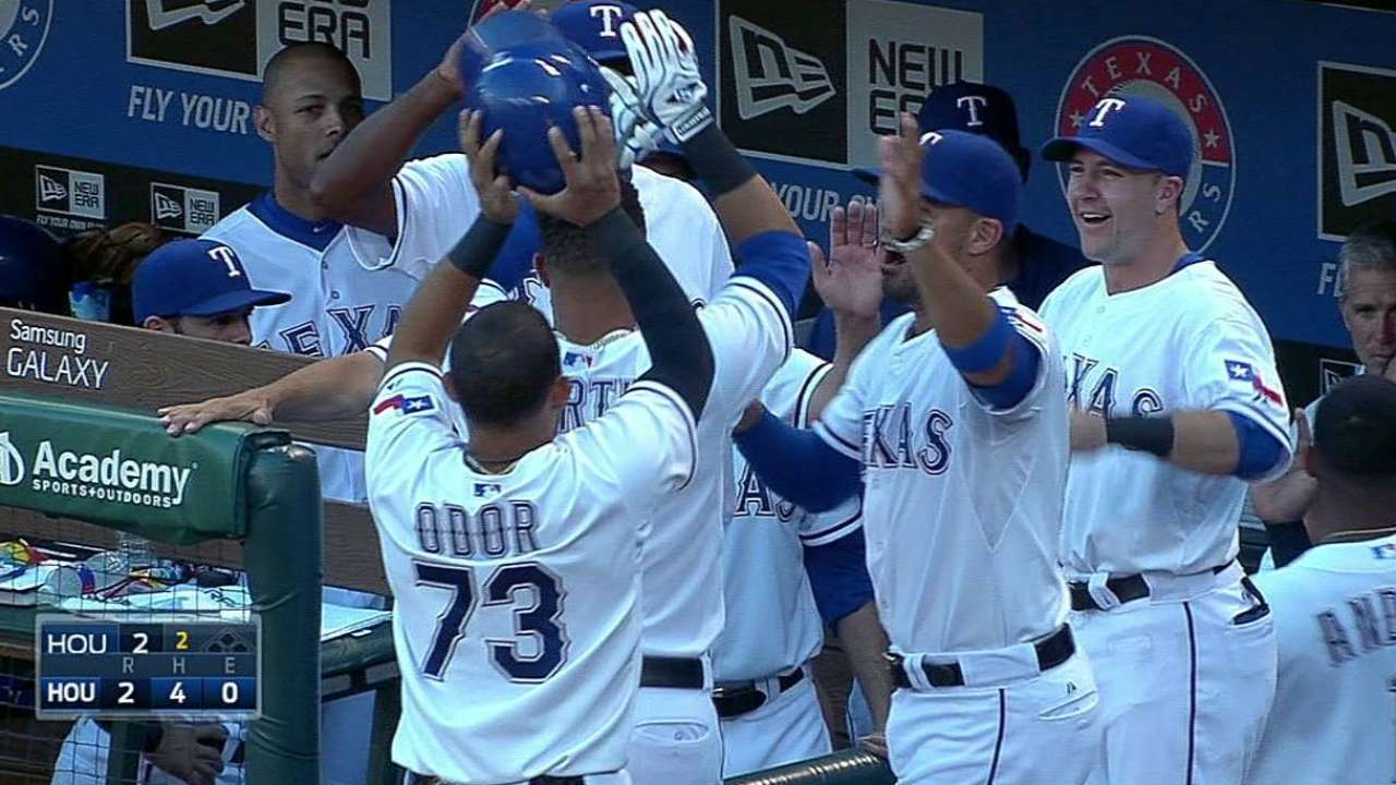 Rangers waiting for Martin to heat up vs. lefties