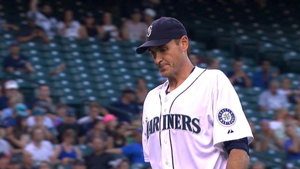 Young caps off stellar first half, but Mariners fall