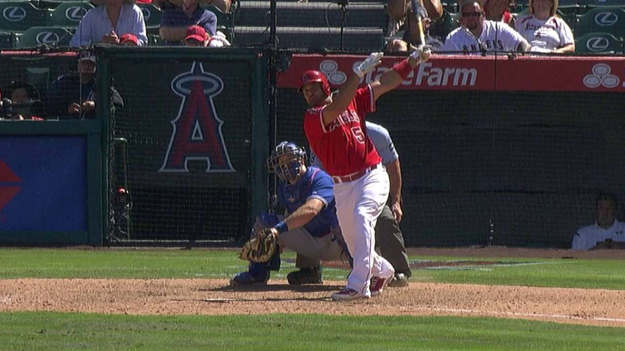 Pujols moves into tie for 21st on all-time homer list