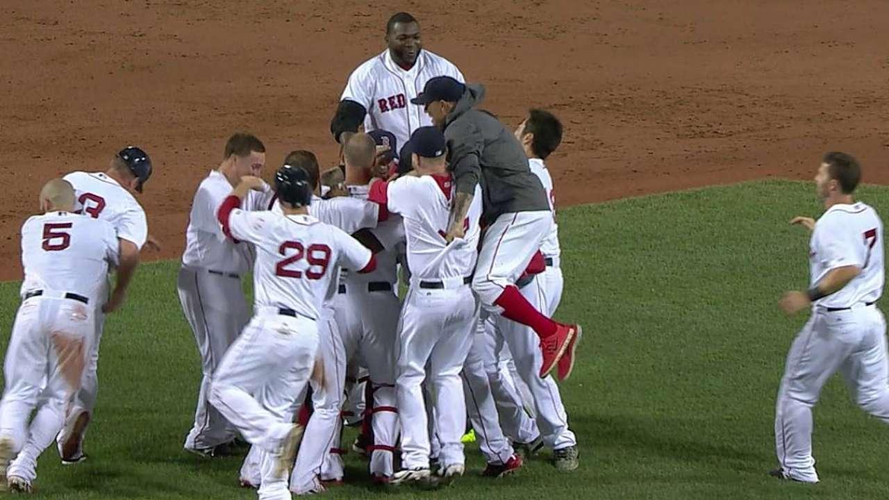 Boston remonta para arrebatarle triunfo a Chicago