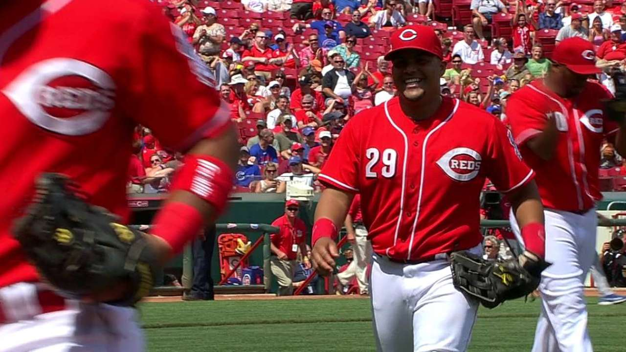 Diaz earning more responsibility in Reds' bullpen