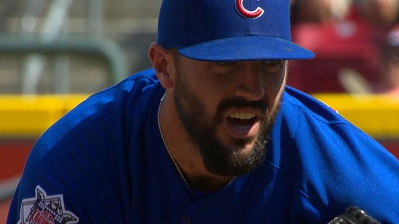 Cubs fill roster spots with pair of prospects