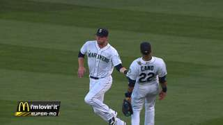 After battling infection, Saunders works out at Safeco