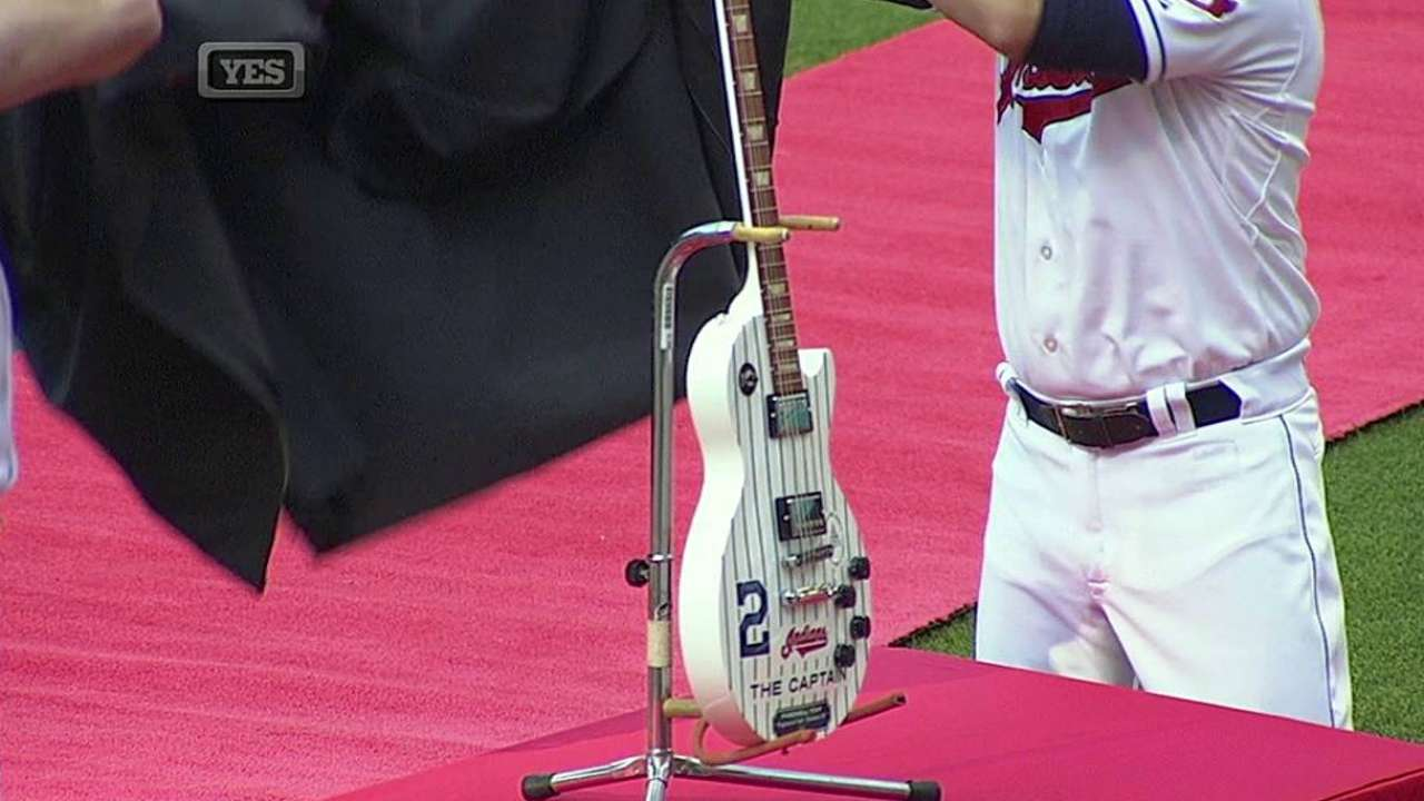 Tribe gives Jeter pair of unique retirement gifts