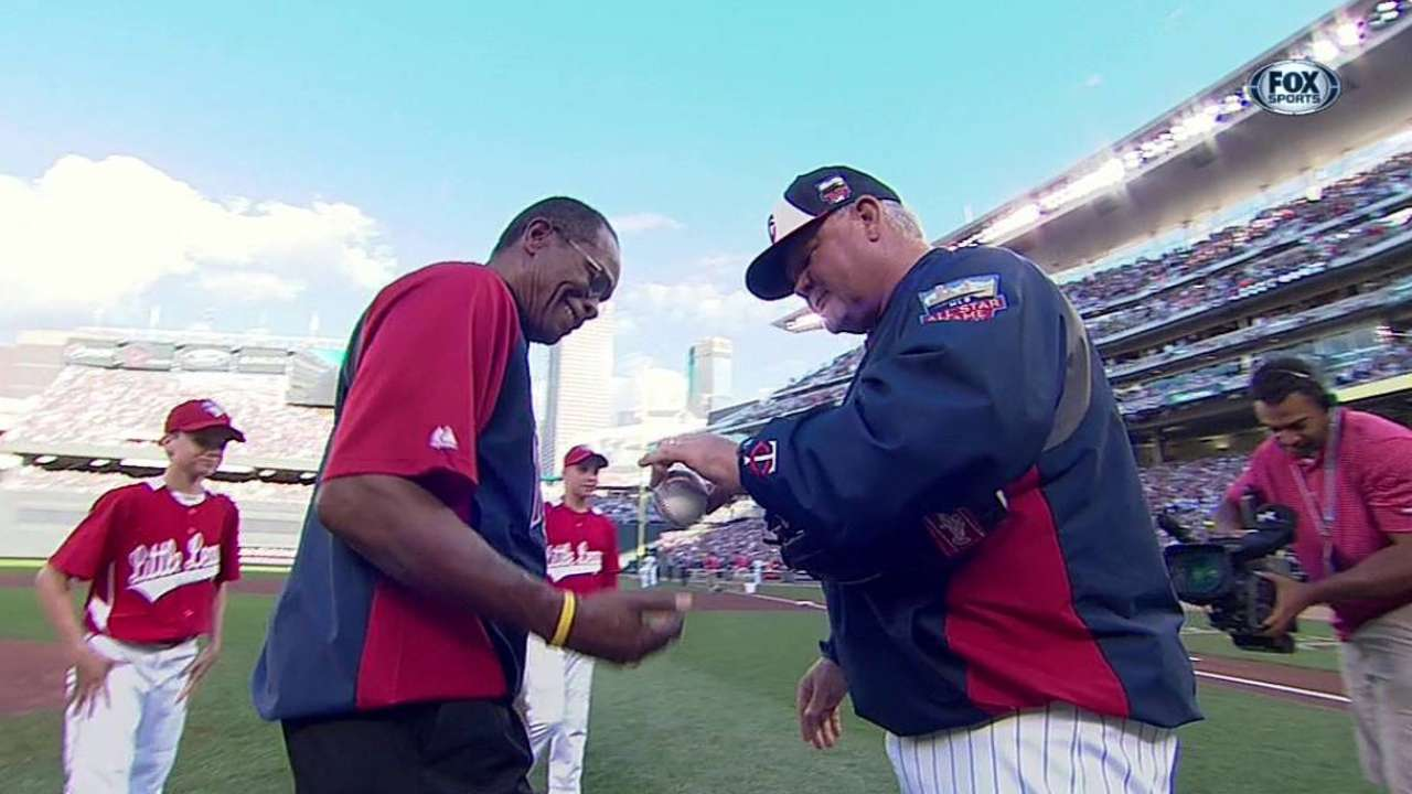 Carew appreciates special bond with Twins
