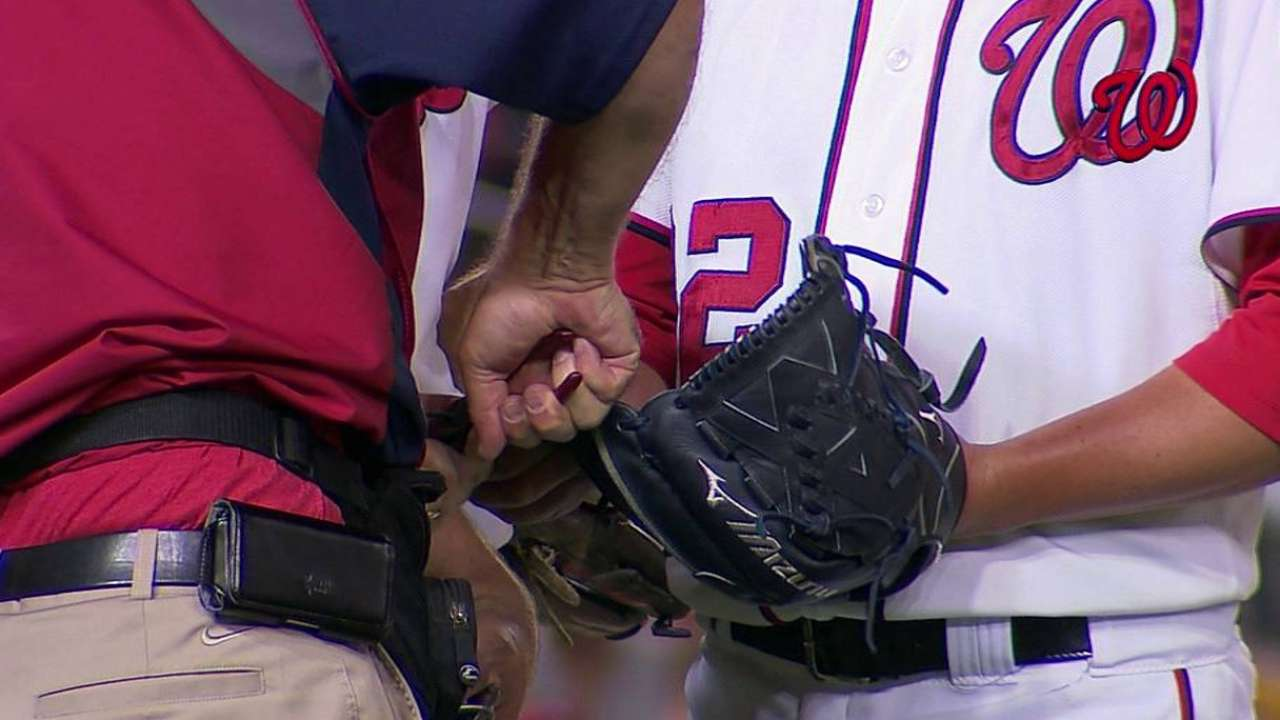 Storen, Stammen get gloves clipped on the hill