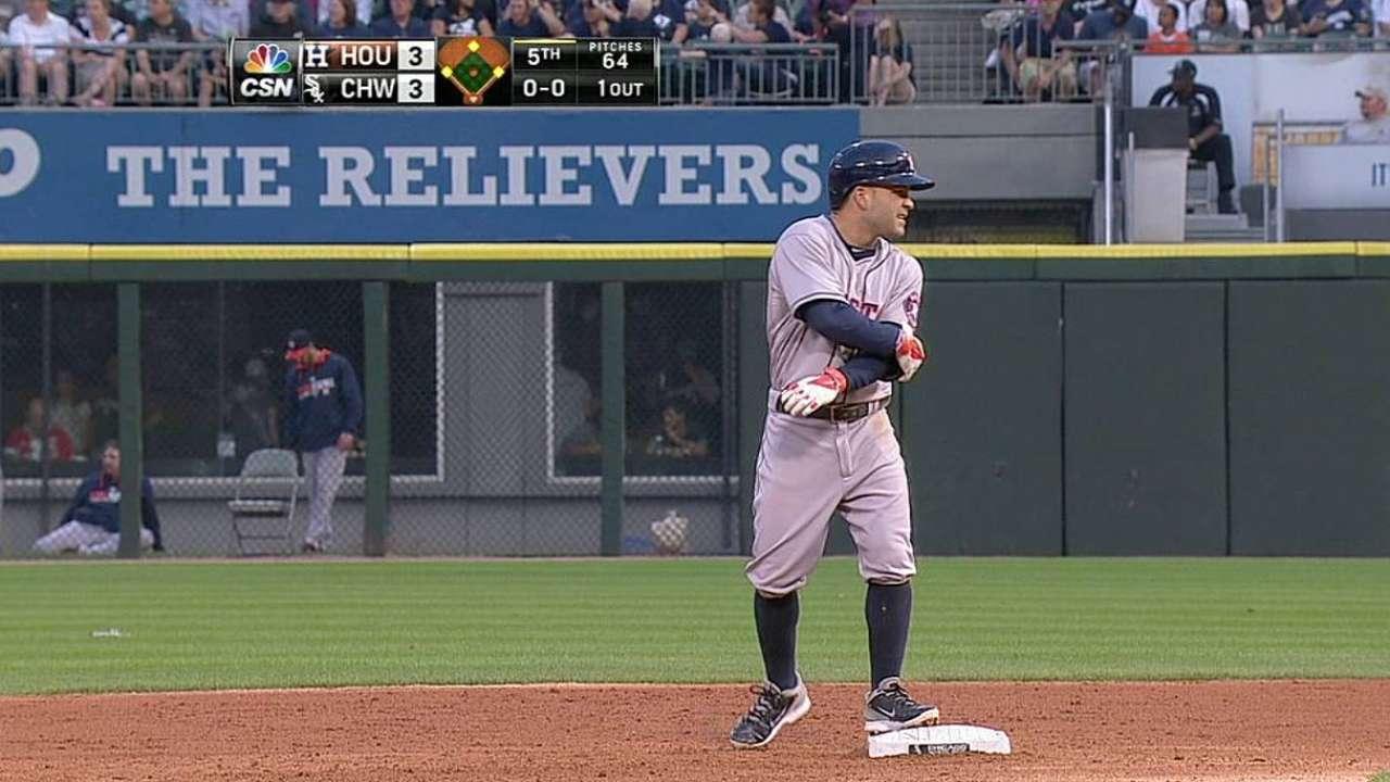 Astros' comeback bid falls short in Chicago