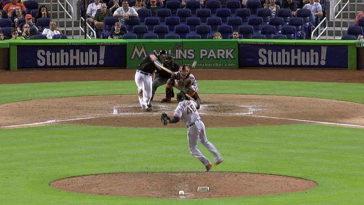 Sandoval pega tres hits y Gigantes vencen a Marlins