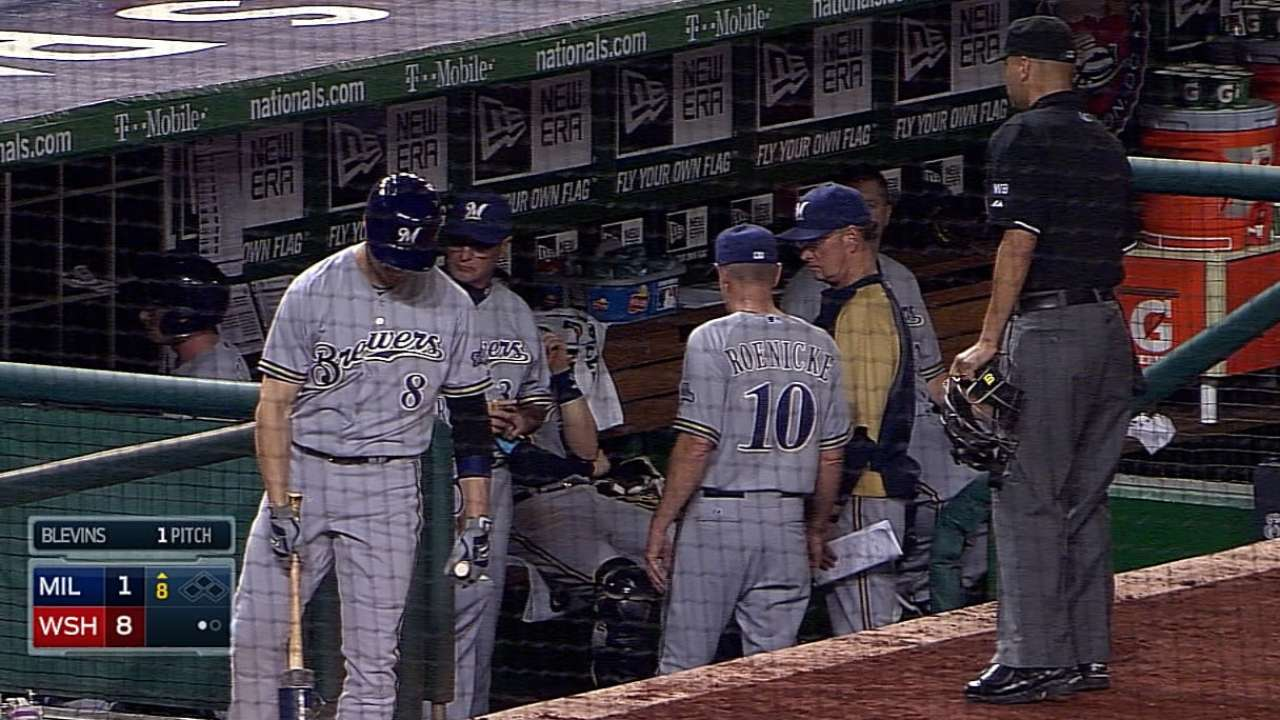 Weeks' missing helmet leads to dugout confusion