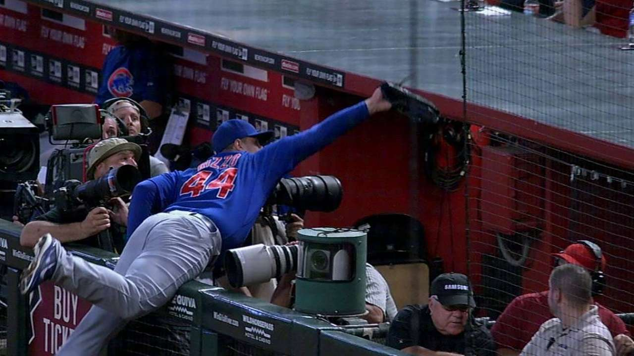 Rizzo's awe-inspiring grab backfires on Cubs