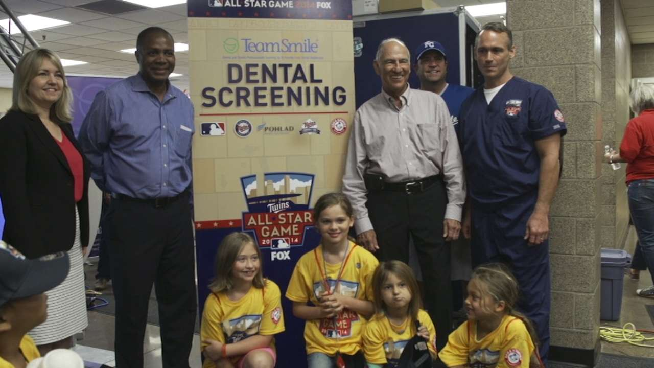 MLB, TeamSmile provide dental screening in St. Paul
