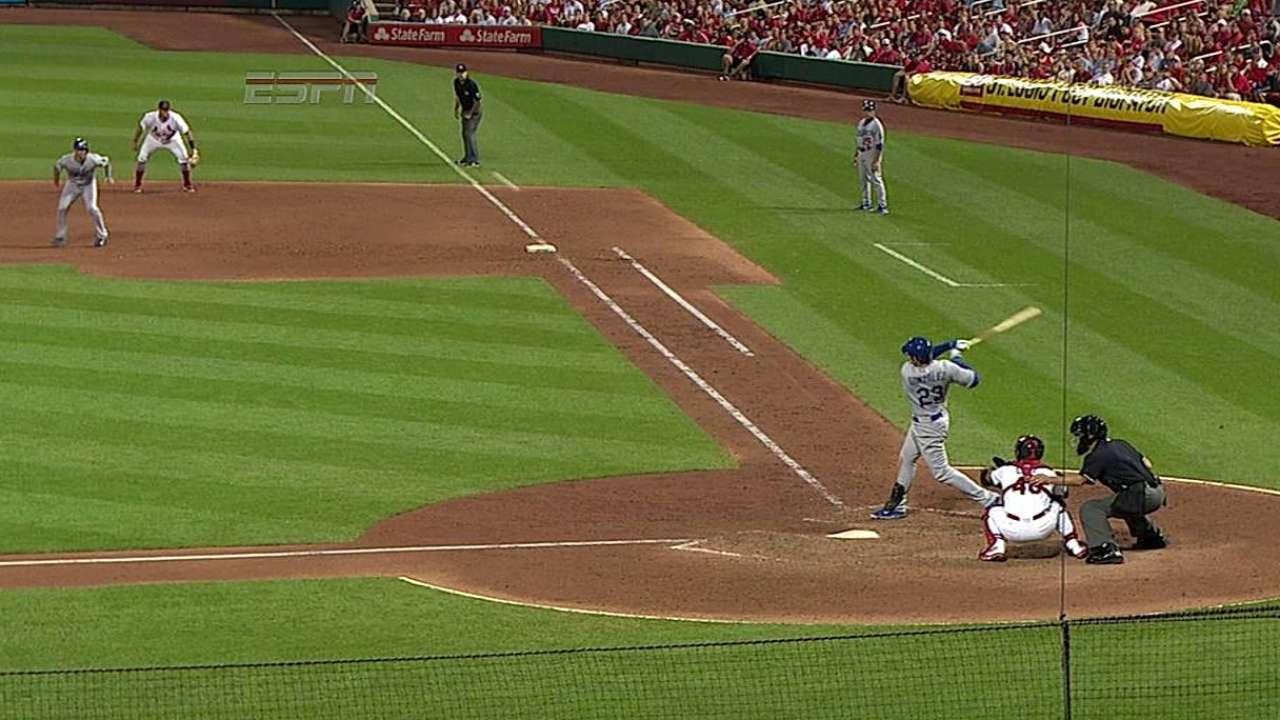 Hit oportuno de Adrián guió a Dodgers en San Luis