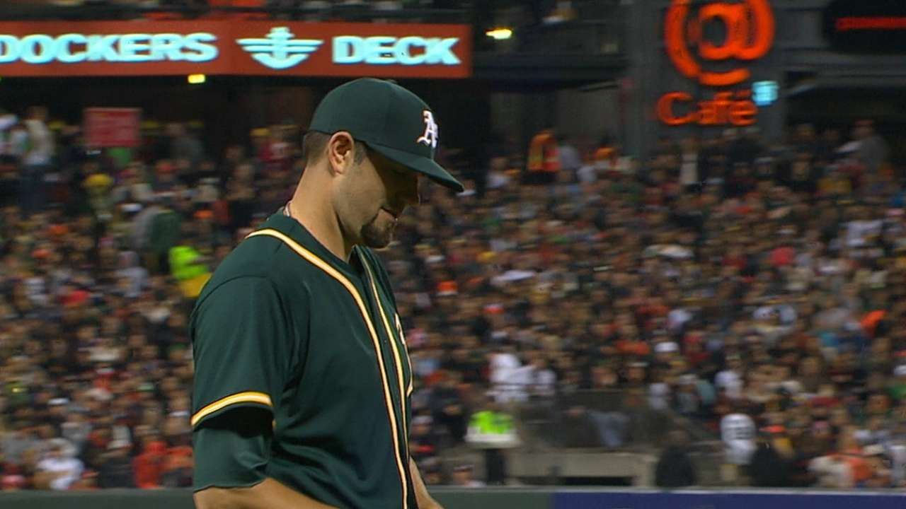 A's remain vexed in SF, lose Hammel's debut
