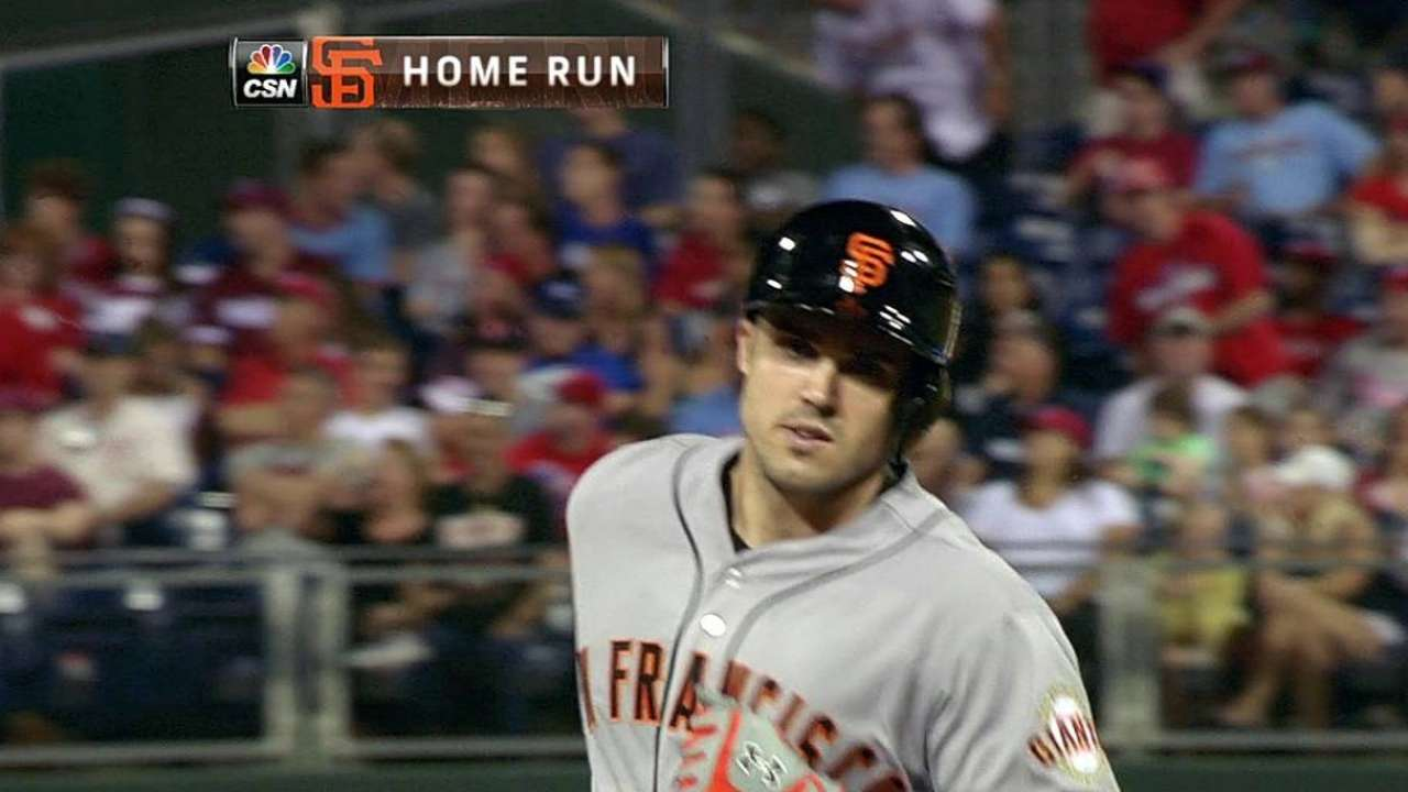 Duvall's homer lifts Giants to win over Phillies