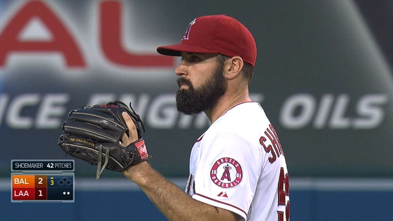 Halos' loss strikes nerve for Trout, Shoemaker