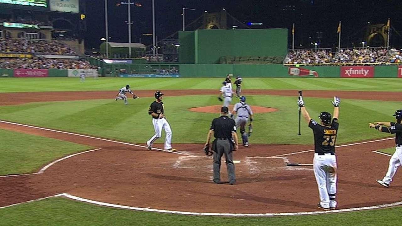 Polanco leads way as Pirates outslug Dodgers