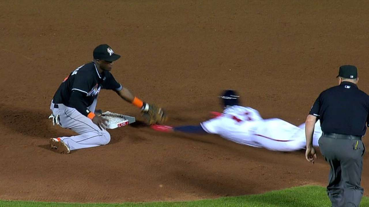 Mathis thwarts Schafer's steal attempt in ninth