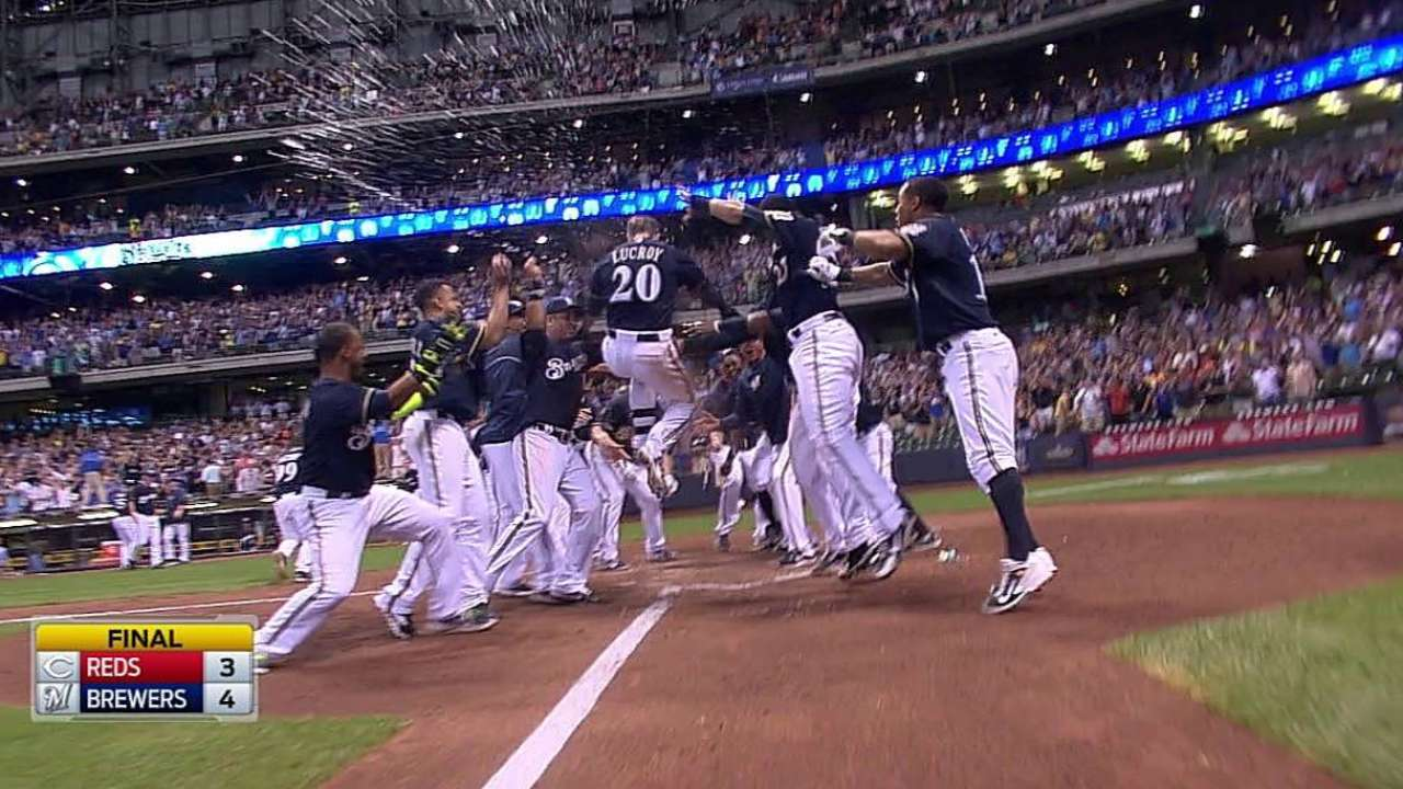 Lucroy's second homer lifts Crew to walk-off win