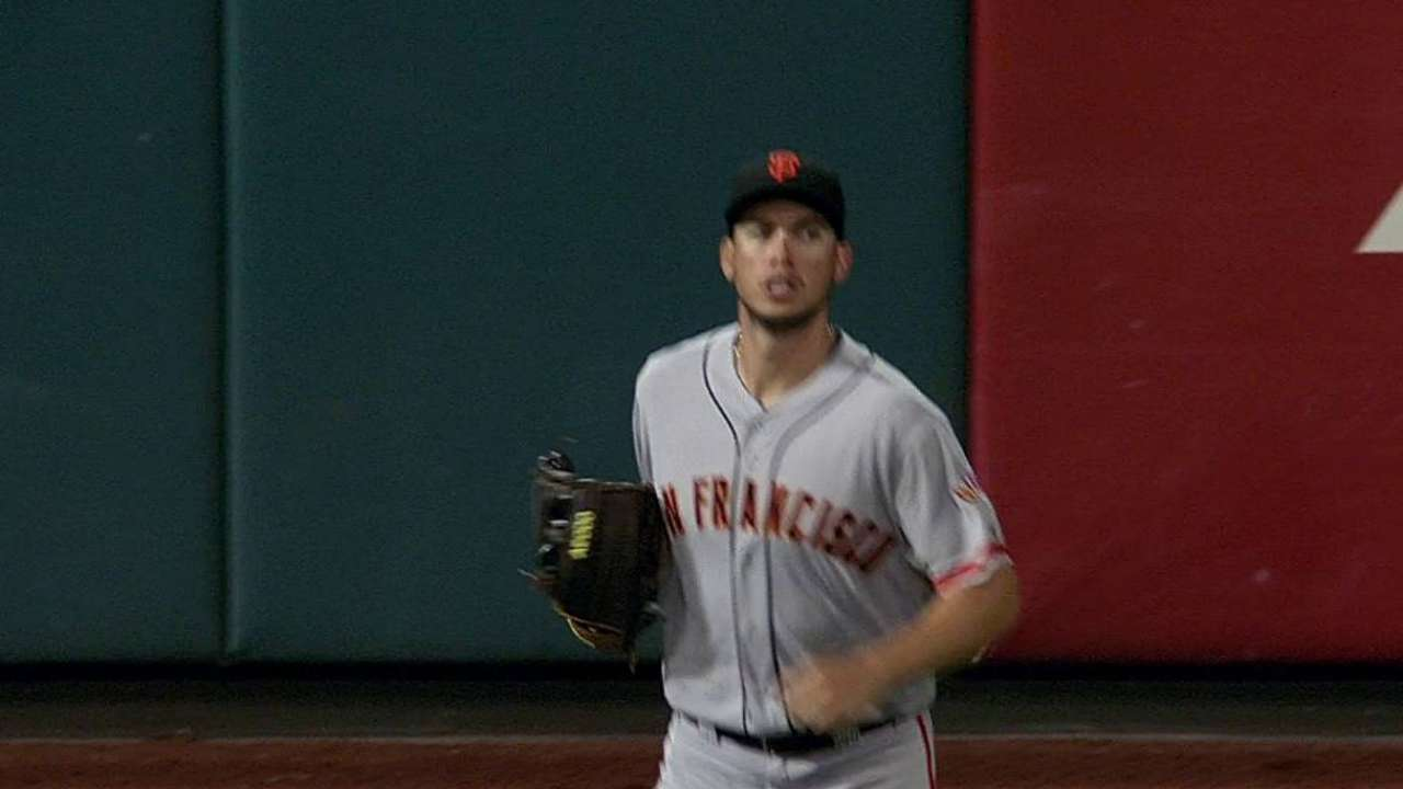 Giants send down Kontos to clear spot for Peavy