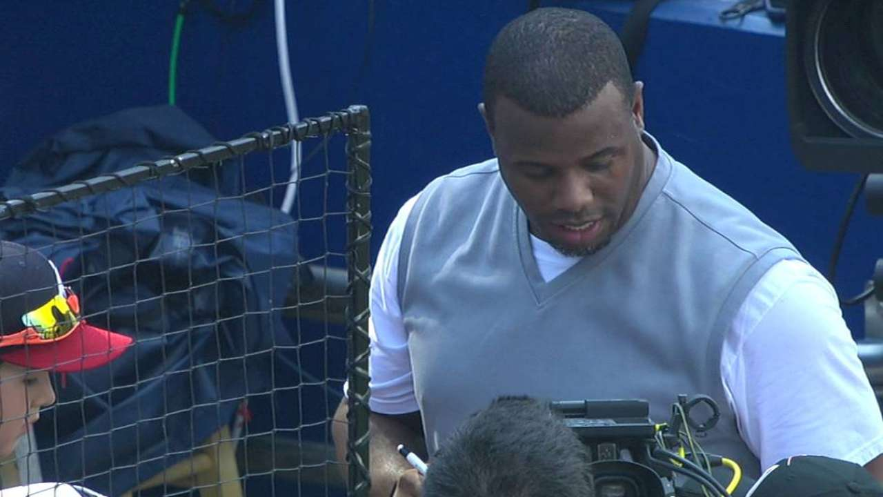 Griffey visits Atlanta, watches Stanton BP in awe