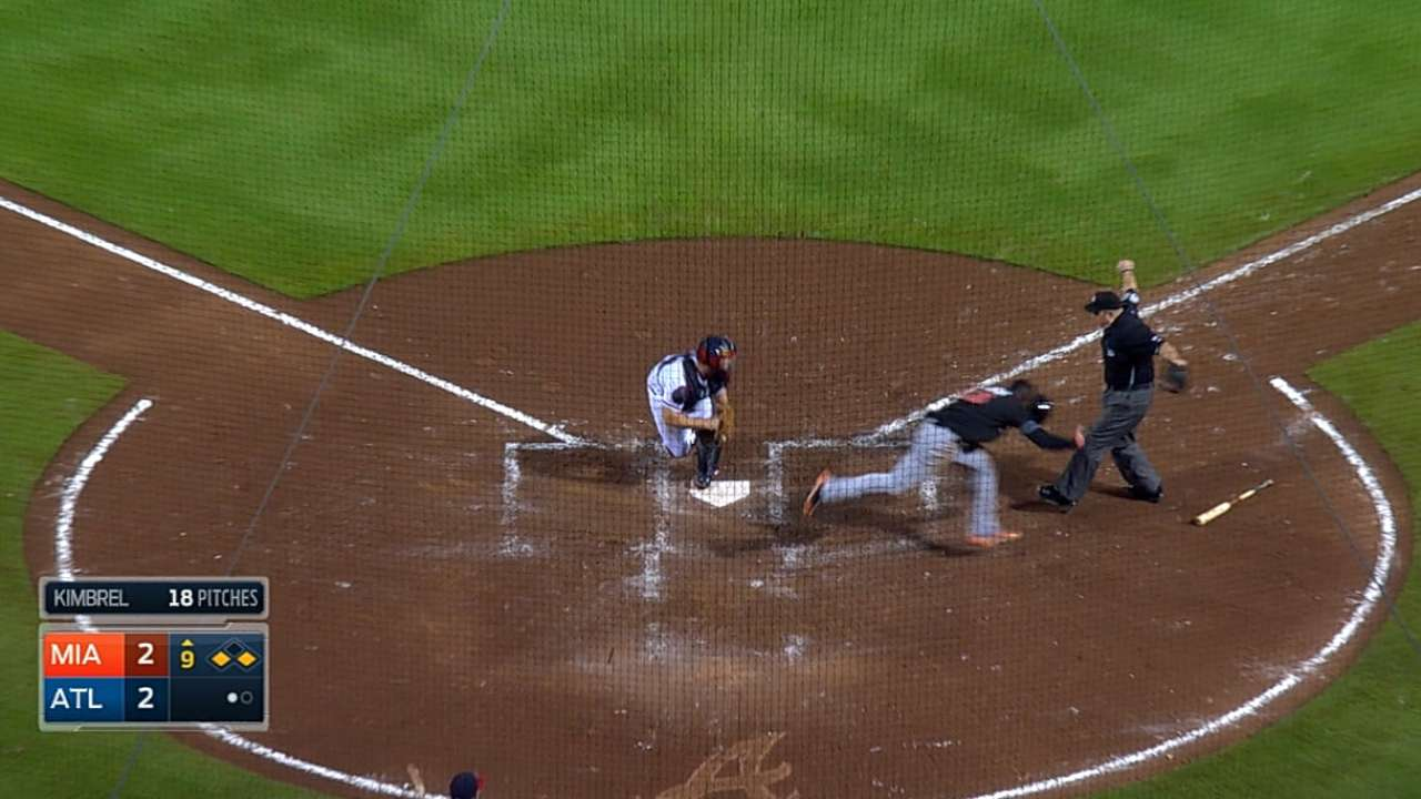 Salty steps up after Alvarez subdues Braves