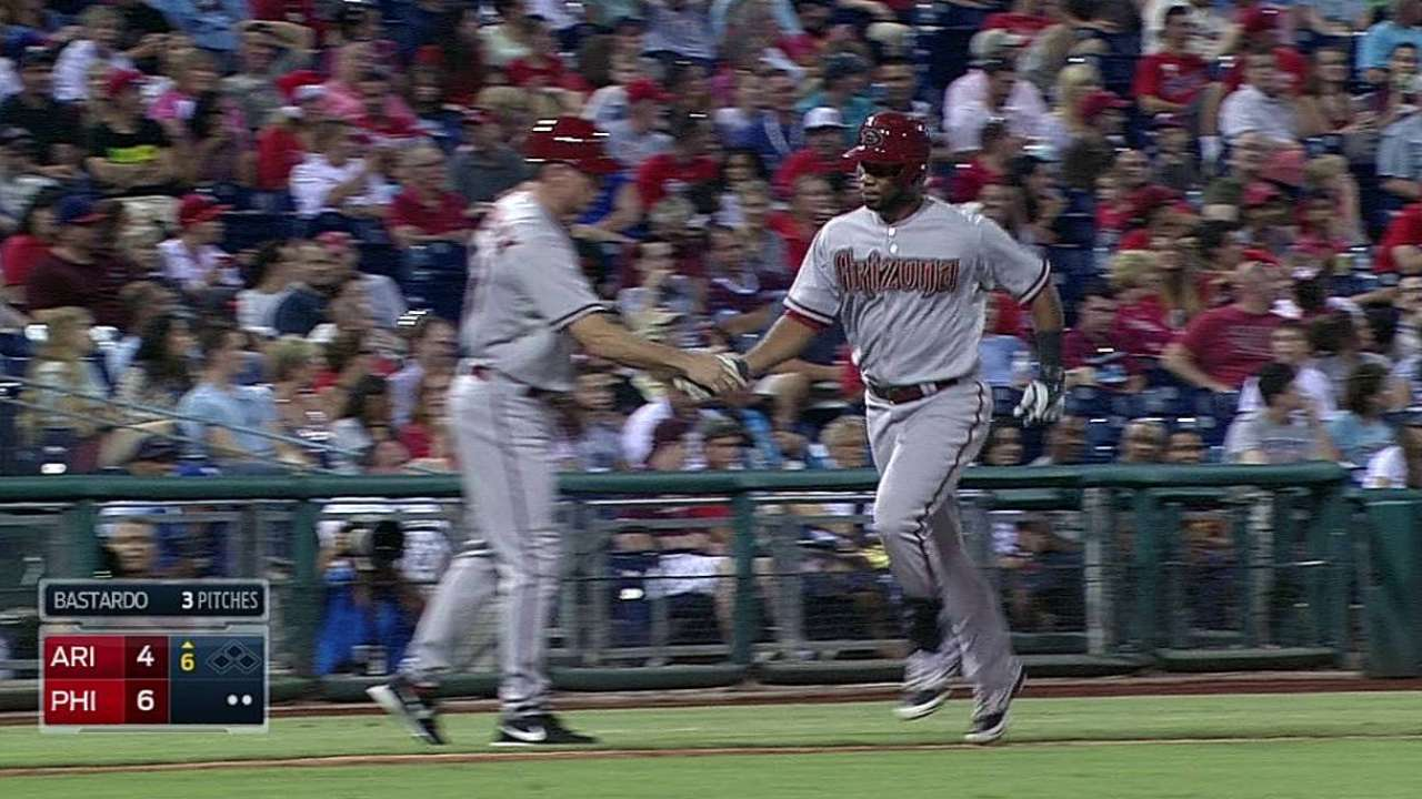 Miley's early struggles sink D-backs in Philly