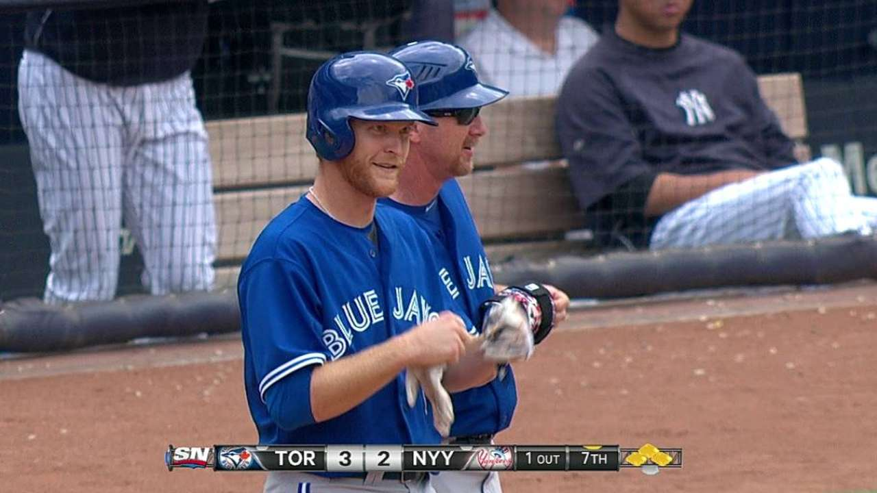 Blue Jays halt 17-game Yankee Stadium losing streak