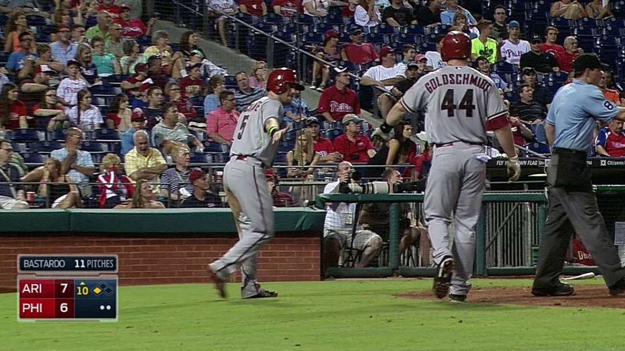 Prado y los D-Backs vencieron a filis en 10 entradas